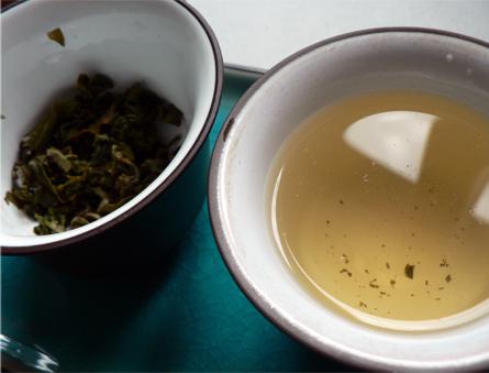 teevälineet, teekannu, tee kannu, tee kuppi, tee malja, vedenkeitin, tetsubin, teetietoa, haudutus, vihreä tee terveys, valkoinen tee, tee kauppa, gaiwan