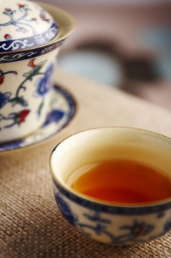 teekuppi jossa hieman teetä