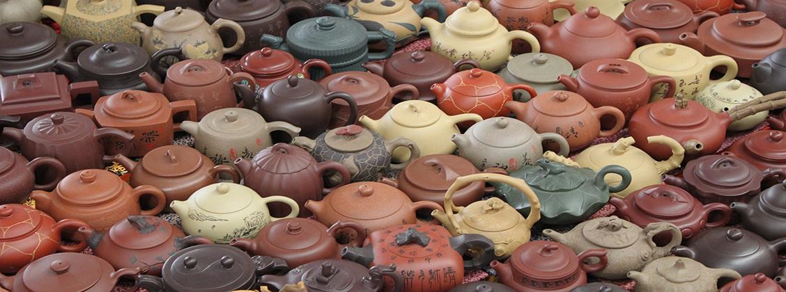yixing teekannut pitää puhdistaa pölystä ja roskista ennen niiden käyttämistä.
